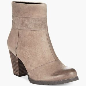 Clarks Artisan Mission Manor Leather Booties, 9.5